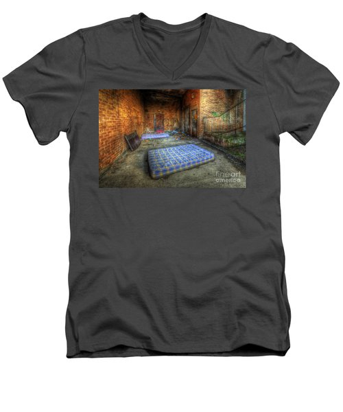 Urbex 1.0 Men's V-Neck T-Shirt