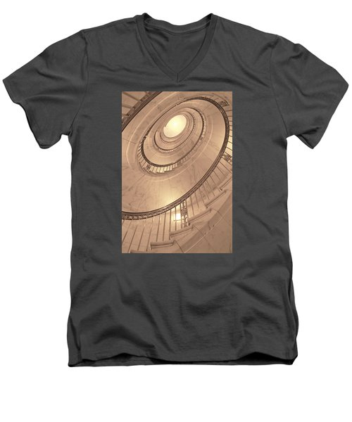 U. S. Supreme Court Oval Stairway Men's V-Neck T-Shirt
