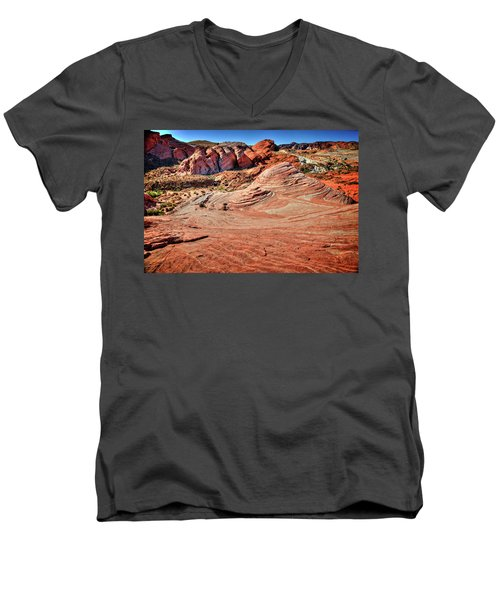 Valley Of Fire State Park Nevada Men's V-Neck T-Shirt by James Hammond