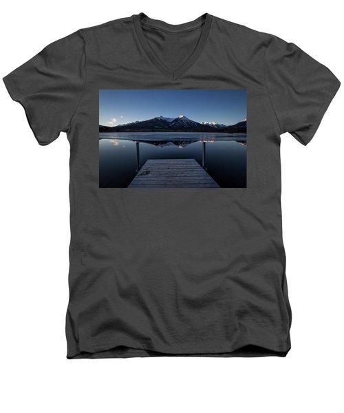 Vermillion Lakes At Dawn Men's V-Neck T-Shirt