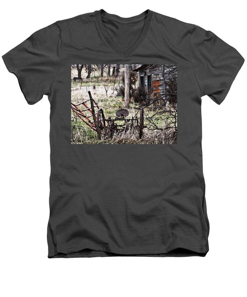 Vesta Field Trip Men's V-Neck T-Shirt