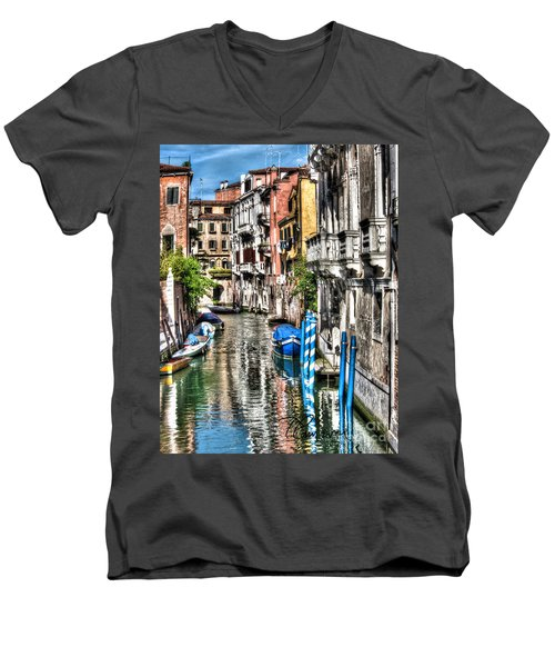 Viale Di Venezia Men's V-Neck T-Shirt