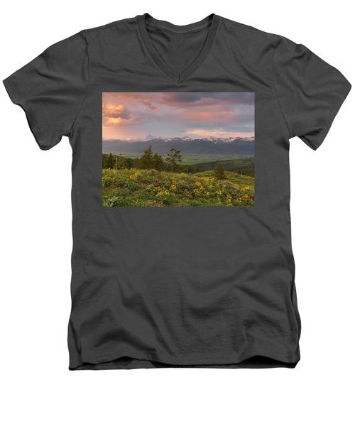 Victor Idaho Sunset Men's V-Neck T-Shirt