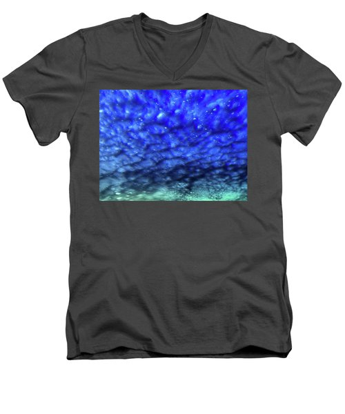 View 7 Men's V-Neck T-Shirt