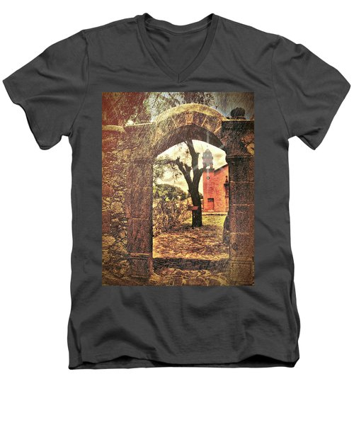 View To The Past Men's V-Neck T-Shirt