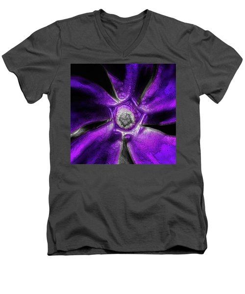 Vinca Men's V-Neck T-Shirt