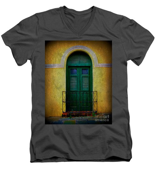 Vintage Arched Door Men's V-Neck T-Shirt