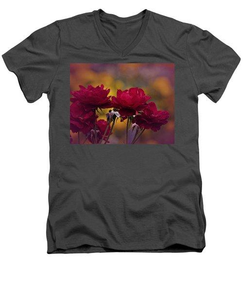 Vintage Aug Red Roses Men's V-Neck T-Shirt