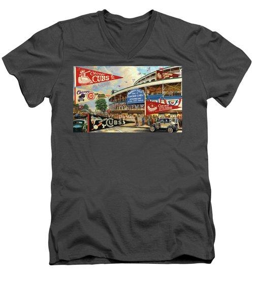 Vintage Chicago Cubs Men's V-Neck T-Shirt
