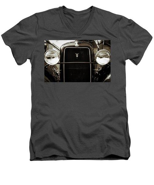Vintage Ford V8 Men's V-Neck T-Shirt