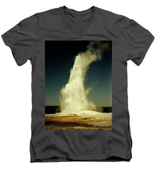 Vintage Old Faithful Men's V-Neck T-Shirt