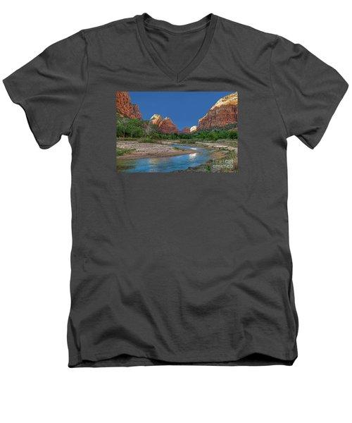 Virgin River Bend Men's V-Neck T-Shirt