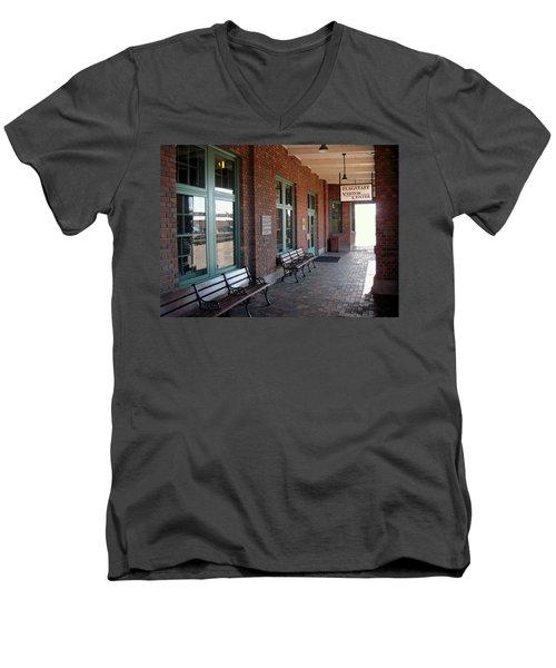 Visitors Center Train Station Men's V-Neck T-Shirt