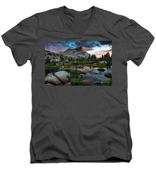 Vogelsang Peak Men's V-Neck T-Shirt