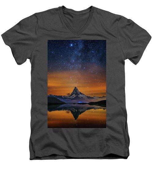 Volcano Fountain Men's V-Neck T-Shirt