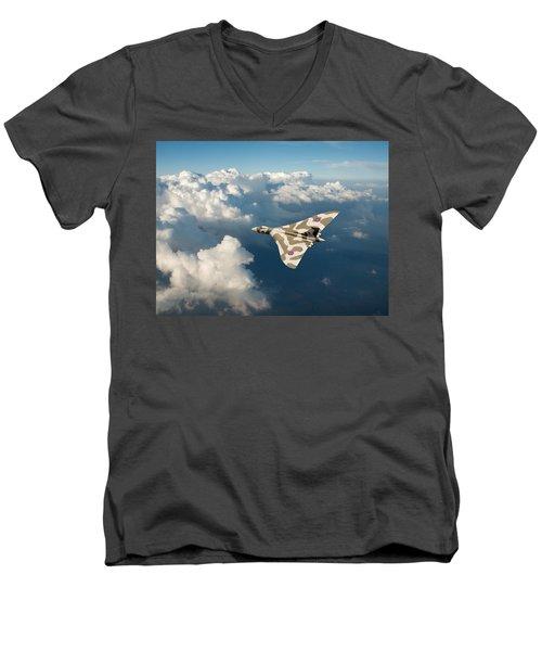 Vulcan Catching The Light Men's V-Neck T-Shirt