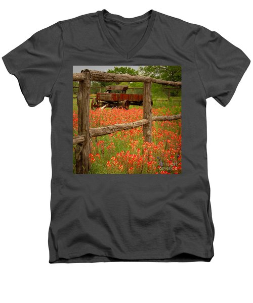 Wagon In Paintbrush - Texas Wildflowers Wagon Fence Landscape Flowers Men's V-Neck T-Shirt