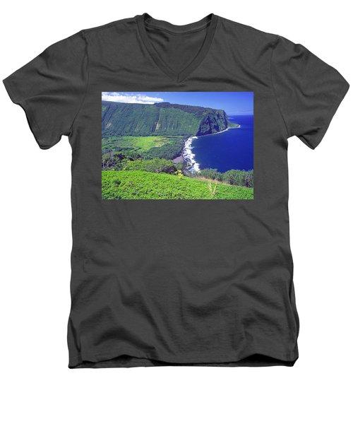 Waipio Valley, Big Island, Hawaii Men's V-Neck T-Shirt