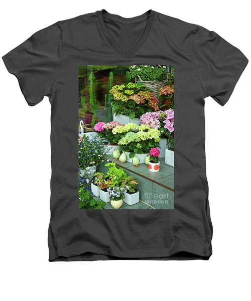 Warnemunde Flower Shop Men's V-Neck T-Shirt
