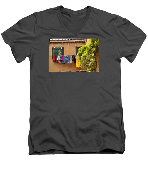 Wash Day In Venice Men's V-Neck T-Shirt by Richard Ortolano