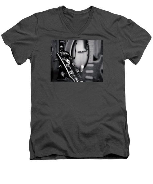 Washburn Guitar Men's V-Neck T-Shirt