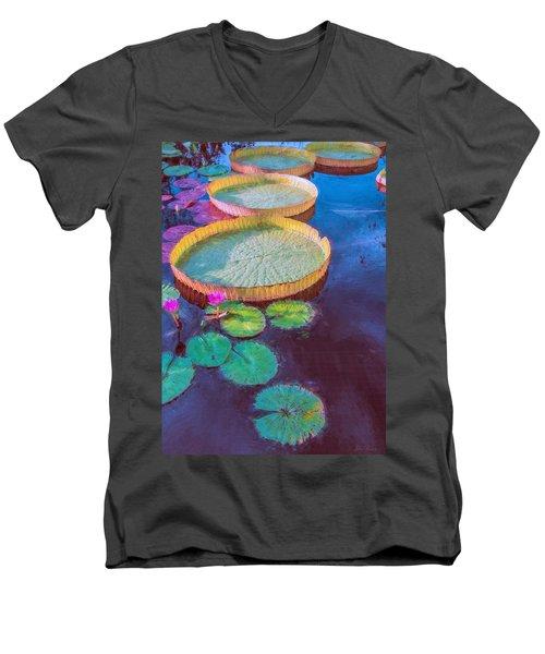 Water Lily Pattern Men's V-Neck T-Shirt