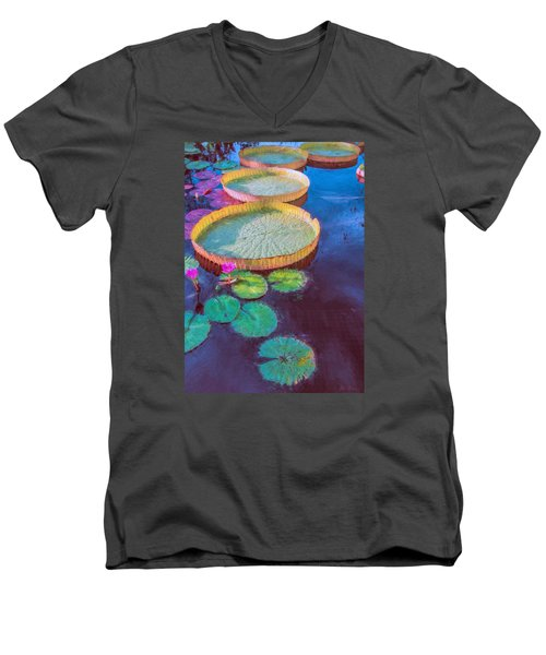Water Lily Pattern Men's V-Neck T-Shirt