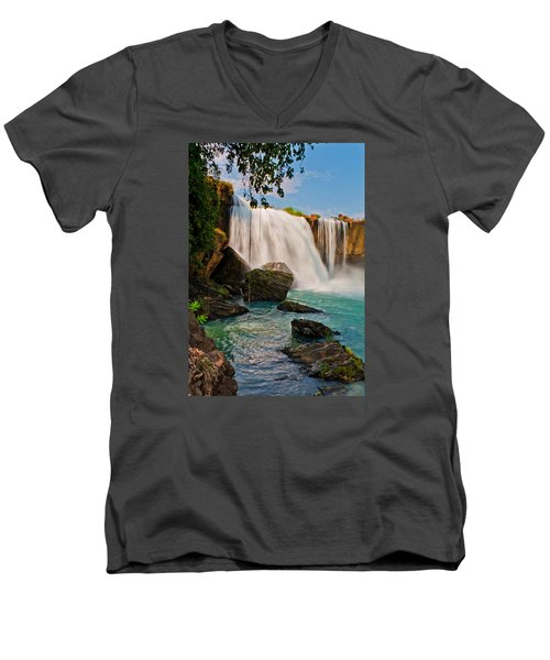 waterfalls Draynur Men's V-Neck T-Shirt