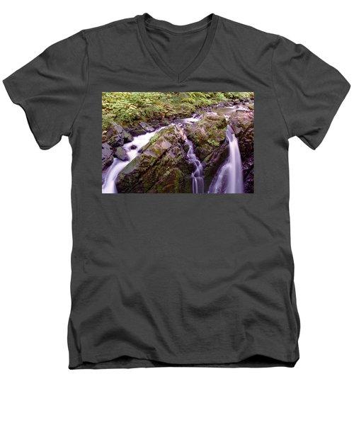 Waterstreaming Men's V-Neck T-Shirt