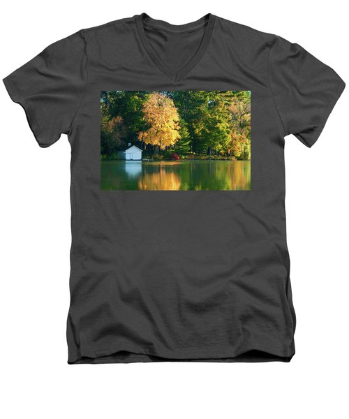 Waupaca Chain Boathouse Men's V-Neck T-Shirt
