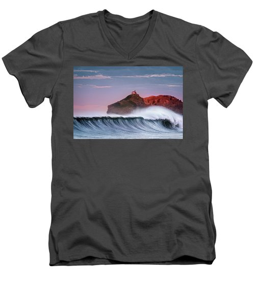 Wave In Bakio Men's V-Neck T-Shirt