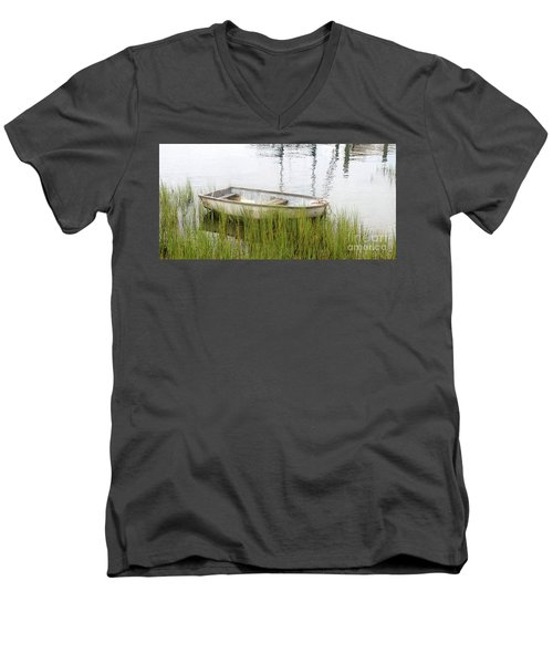 Weathered Old Skiff - The Outer Banks Of North Carolina Men's V-Neck T-Shirt