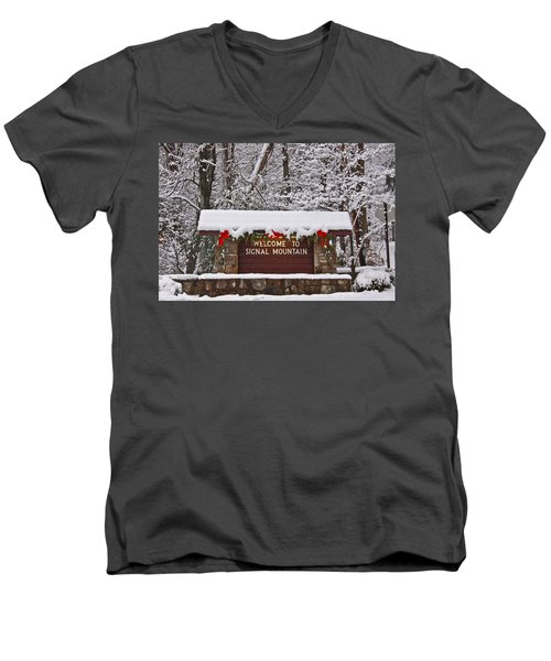 Welcome To Signal Mountain Men's V-Neck T-Shirt