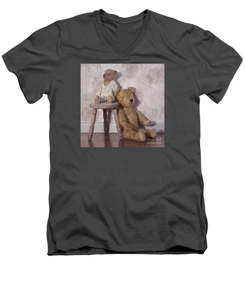 Men's V-Neck T-Shirt featuring the photograph Well Loved by Linda Lees