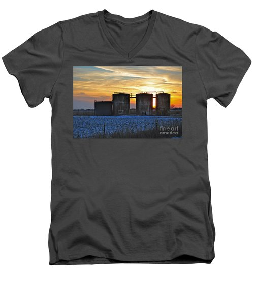 Wellsite Sunset Men's V-Neck T-Shirt