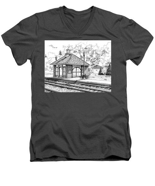West Hinsdale Train Station Men's V-Neck T-Shirt