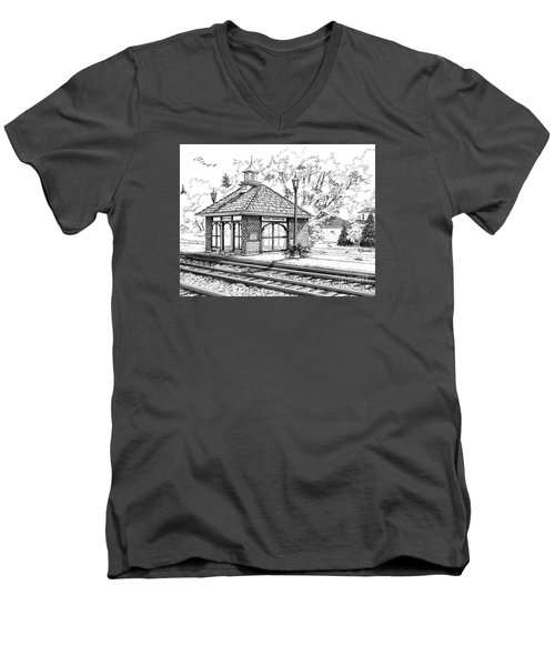 West Hinsdale Train Station Men's V-Neck T-Shirt