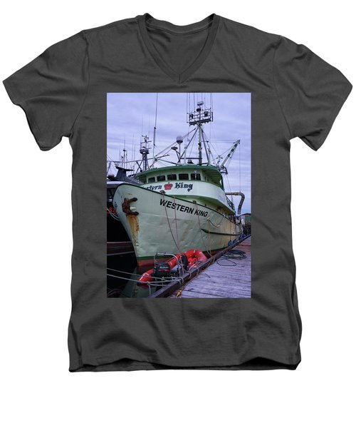 Men's V-Neck T-Shirt featuring the photograph Western King At Discovery Harbour by Randy Hall