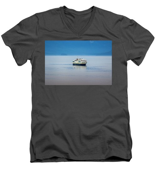 Whale Watching In Glacier Bay Men's V-Neck T-Shirt