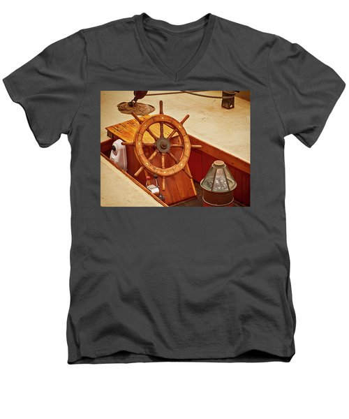 Wheel And Compass 2 Men's V-Neck T-Shirt