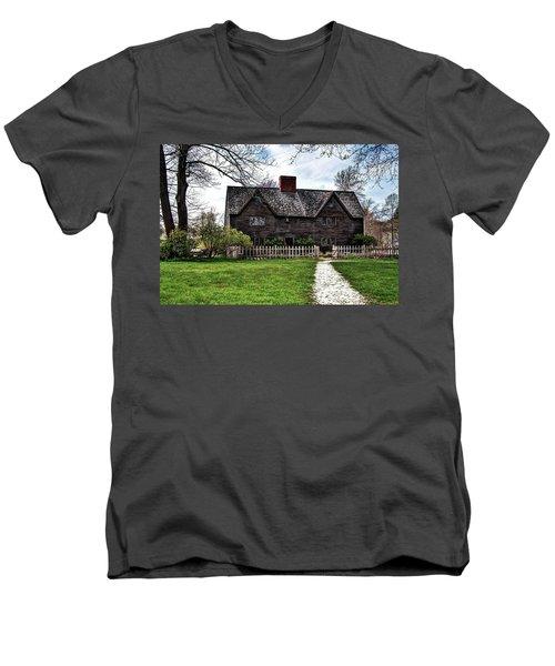 The John Whipple House In Ipswich Men's V-Neck T-Shirt
