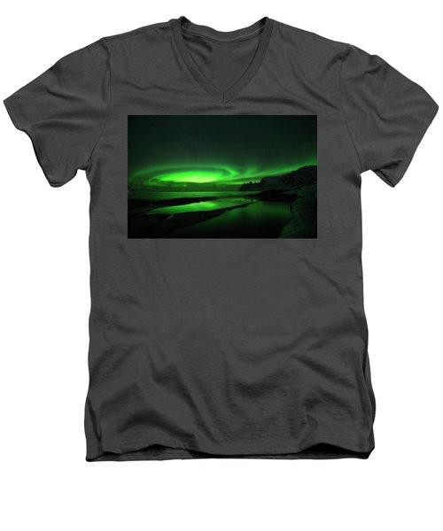 Whirlpool Men's V-Neck T-Shirt
