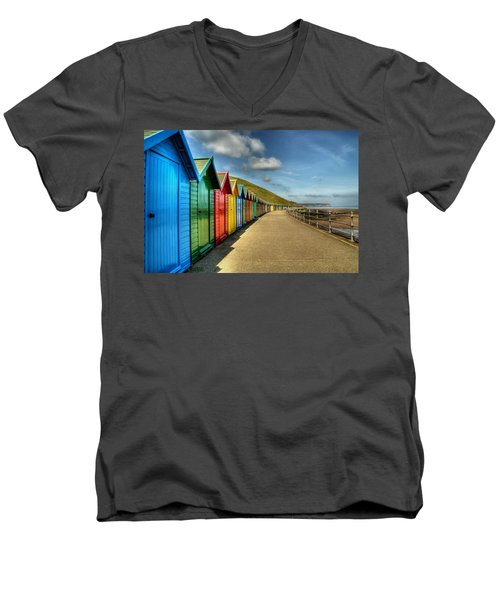 Whitby Beach Huts Men's V-Neck T-Shirt