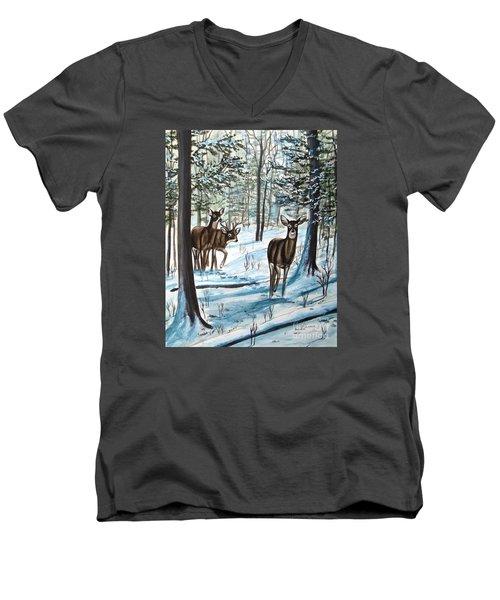 White Tail Deer In Winter Men's V-Neck T-Shirt