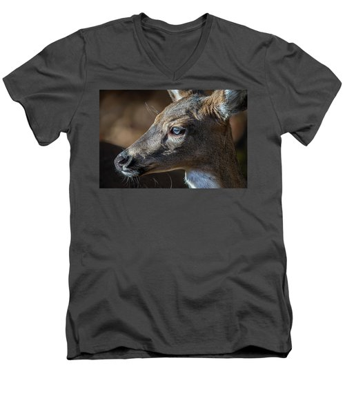 White Tailed Deer Facial Profile Closeup Portrait Men's V-Neck T-Shirt