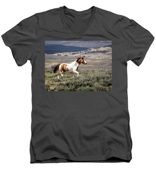 Wild Mustang Stallion On The Move In Sand Wash Basin Men's V-Neck T-Shirt
