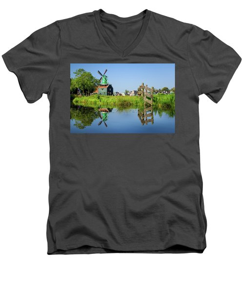 Windmill Reflection Men's V-Neck T-Shirt