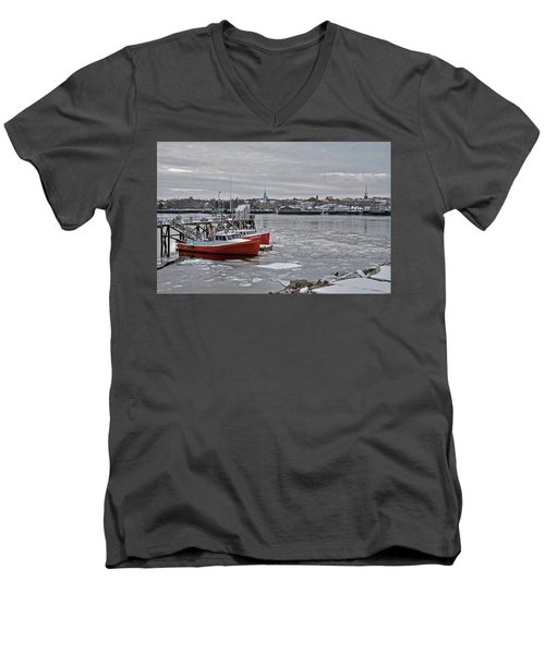 Winter At Newburyport Harbor Men's V-Neck T-Shirt
