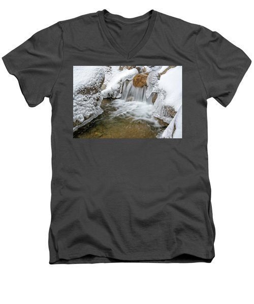 Winter Cascade Nh Men's V-Neck T-Shirt