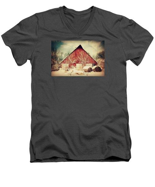 Winter Day On The Farm Men's V-Neck T-Shirt